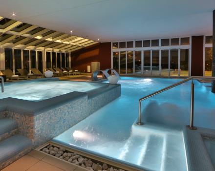 Internal structure dynamic swimming-pool with SPA access.