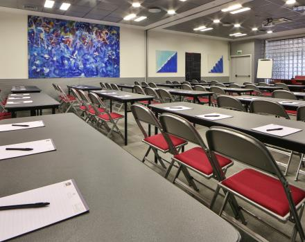 You have to organize an event and are looking for a meeting room in Padua? Discover Best Western Plus Hotel Galileo Padova